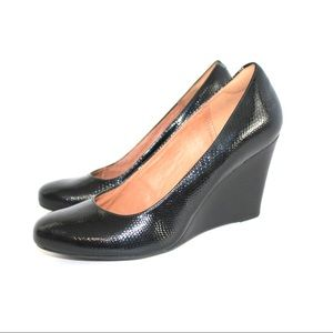Clarks Artisan Embossed Textured Round Toe Wedge